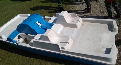 Treviso, si rovescia il pedalò: 18enne annega nel lago di Revine