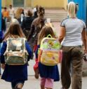 Il comune chiude le strade per chi deve raggiungere le scuole: