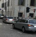 Cambiano la viabilità senza preavviso, caos nel quartiere