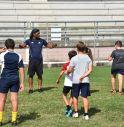 Martin Jensen in azione coi giovani rugbysti