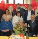 un momento della festa per i 101 anni della maestra Rosetta