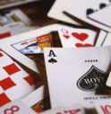 Burraco: come si gioca, perché ha successo e i vantaggi di giocare online