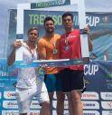 il podio dei 50 metri stile libero con Orsi al centro, Markus Hofferer a sinistra e Francesco Peron a destra