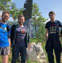 Fabio Maggio (Pederobba), Tommaso Razzolini (Valdobbiadene) e Mauro Miani (Maratona di Treviso) con alcuni volontari sul percorso de La Centenaria - Trail del Fronte