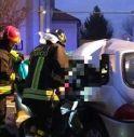 Ancora un incidente mortale: frontale tra auto e camion, 21enne perde la vita