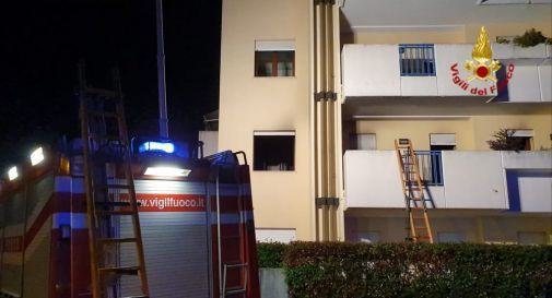 Incendio a Montebelluna, una famiglia ritorna a casa dopo la grande paura