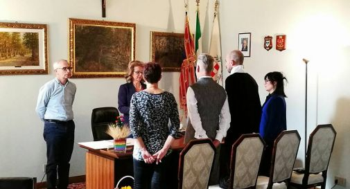 Sindaco Lega Nord sposa coppia gay e rischia l'espulsione