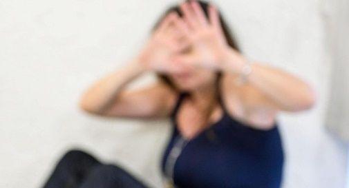 Accusato di aver stuprato una minorenne, sui social si insulta la vittima