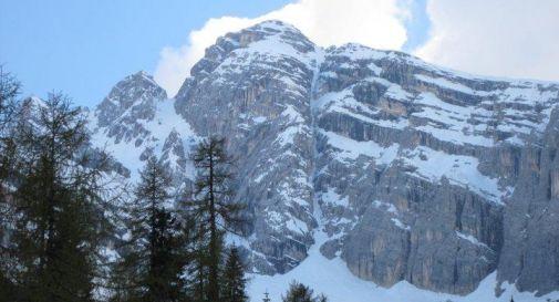 Nuova frana sulle Dolomiti: massi e neve precipitano da Antelao