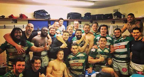 la festa negli spogliatoi oggi pomeriggio (foto fb di Benetton Rugby)