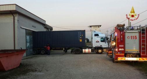 Infortuni: Vicenza, incidente sul lavoro a Sandrigo, un morto ed un ferito