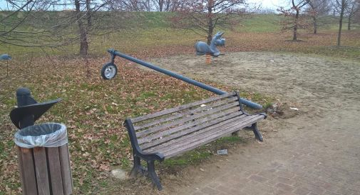 vandali al parco