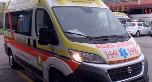 Tragico incidente sulla strada verso il mare: muore un giovane, diversi feriti