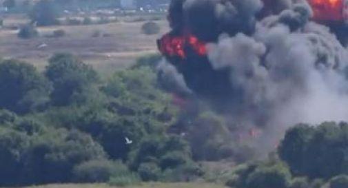 Jet precipita su autostrada durante airshow (VIDEO)