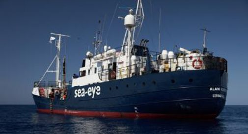 Italia dice no a ingresso Alan Kurdi con 5 migranti a bordo