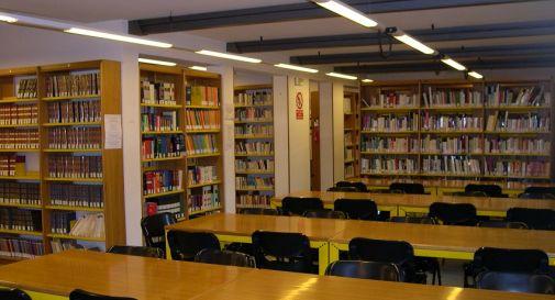 biblioteca sala studio