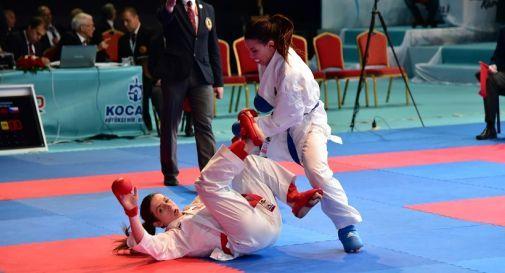 un combattimento di karate, foto d'archivio