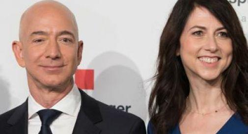 Bezos, patron di Amazon, divorzia. Accordo da 38 miliardi con la ex