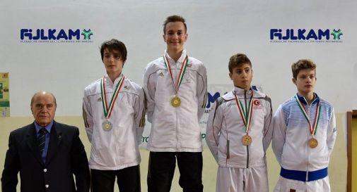 sul podio il vincitore Girardi, Rubert (secondo), Bornacin e Ugolini (terzi)