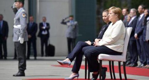 Tremore Merkel, ecco cosa sta succedendo