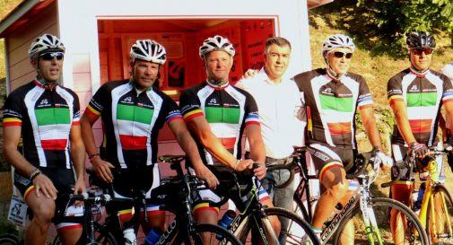 Piero Chiesurin, Andrea Michelet, Andrea Miozzo, Giuseppe Macchia ed Elio Montinaro con Alberto Stocco