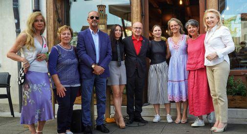 foto di gruppo per la prima Notte Rosa di Oderzo