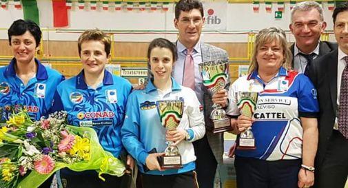 Carla Scotti, prima da destra
