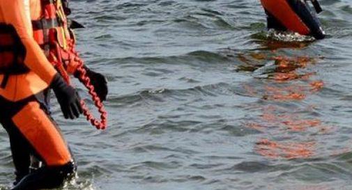 Soccorsi dopo essere inghiottiti dal lago d'Iseo, muoiono fratelli di 16 e 17 anni