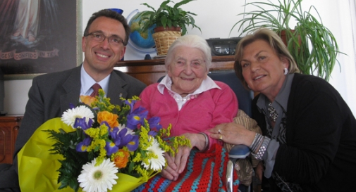 Muoiono insieme a 107 anni