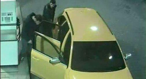 Audi gialla, i banditi cambiano auto e tornano a colpire