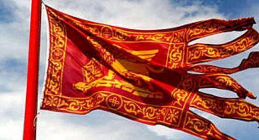 """Approvato dalla giunta regionale il disegno di legge per l'esposizione della bandiera veneta, Zaia: """"Un atto di rispetto per la comunità"""""""