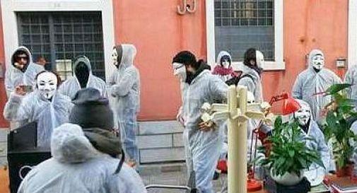 Blitz centri sociali in sede Commissione Valutazione impatto ambientale a Venezia
