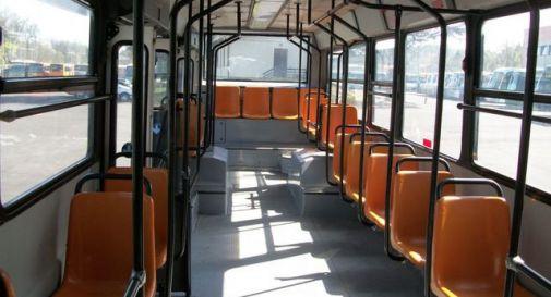 Compra un autobus e scappa senza pagare