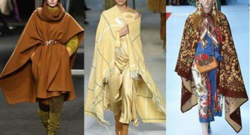 La nuova moda? Niente cappotto, si esce con la coperta