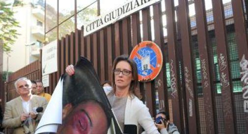 Caso Cucchi, sospesi carabinieri accusati di omicidio. Ilaria: