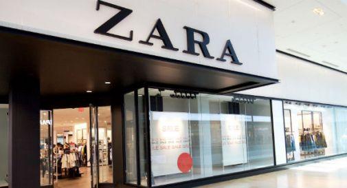 Zara, sulle etichette dei vestiti spuntano biglietti: