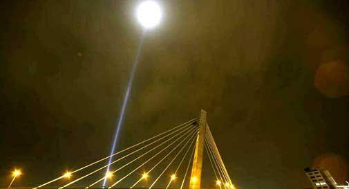 Un fascio di luce alto 12mila metri, la raccolta firme per spegnerlo parte da Vittorio Veneto