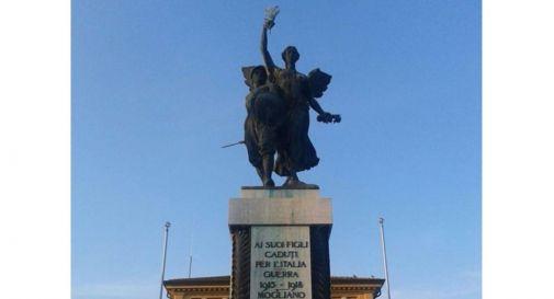il monumento ai caduti in centro a Mogliano