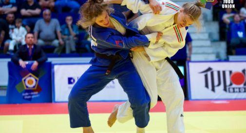 Giorgia Stangherlin (in blu)