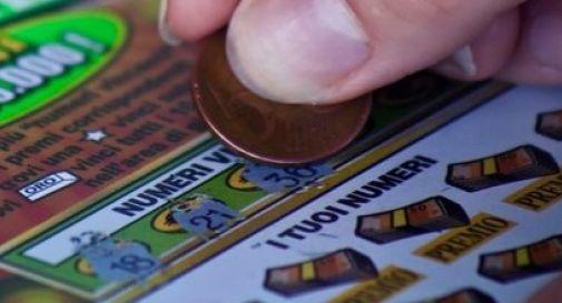 Mogliano, vince mezzo milione di euro grattando un biglietto da dieci