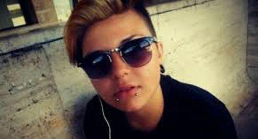 Messina, studentessa 17enne ritrovata morta in spiaggia.  Scomparsi i due amici che hanno lanciato l'allarme