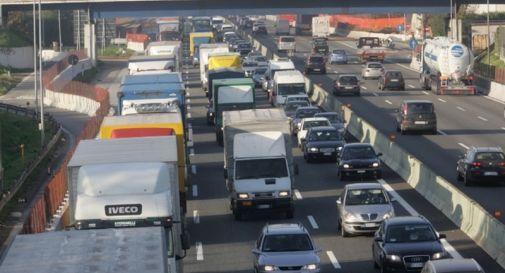 Tragico scontro in autostrada: morta una 39enne bassanese e due feriti