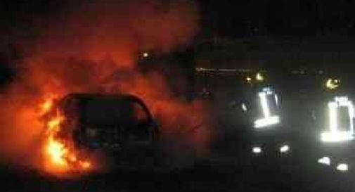 auto a fuoco, foto d'archivio