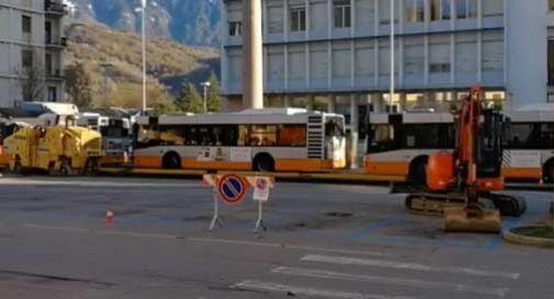 piazza medaglie d'oro senza cartelli stradali