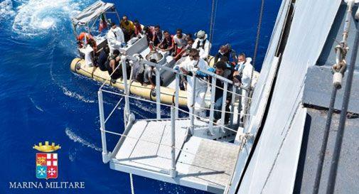 Tremila migranti alla deriva nel Canale di Sicilia, quasi duemila in salvo