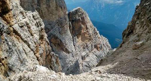 Ancora una morte in montagna: escursionista precipita dal Cristallo