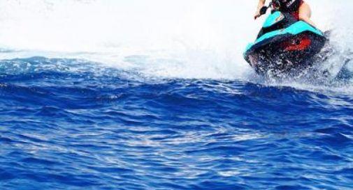 In vacanza a Mykonos, 21enne italiano muore in un incidente con la moto d'acqua
