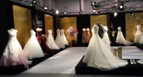In migliaia per un matrimonio scacciacrisi