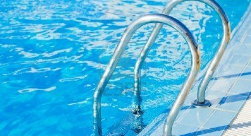 piscina Gris