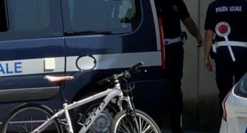 Ubriaco in bicicletta, fermato e denunciato